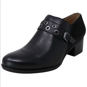 NATURALIZER Delta Black Leather Booties